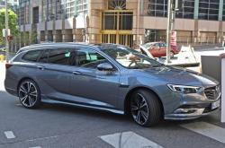 Opel Insignia 2017. Фото Autoevolution