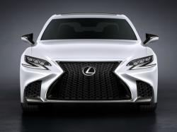 Lexus  LS F Sport. Фото Lexus