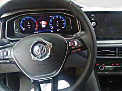 Интерьер VW Virtus. Фото motor1.com