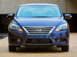 Nissan Sentra и Pathfinder. Фото Nissan