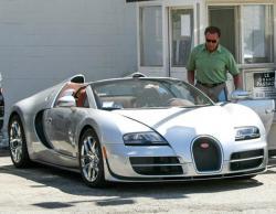 Bugatti Veyron Grand Sport Vitesse. Фото https://theeagleonline.com.ng