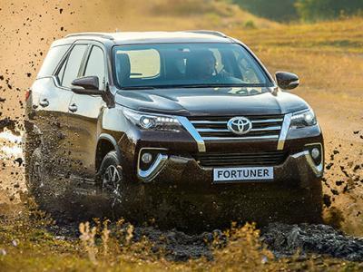 Toyota Fortuner. Фото Toyota