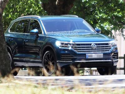 VW Touareg. Фото Autoevolution