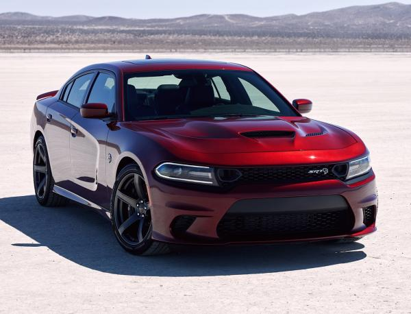 Dodge Charger  SRT. Фото Dodge