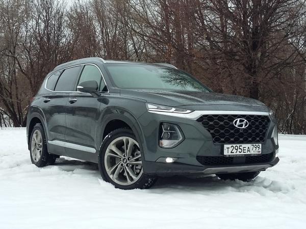 Hyundai Santa Fe. Фото CarExpert.ru