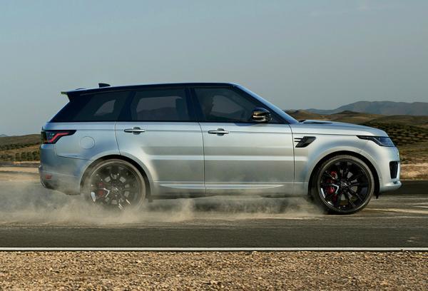 Range Rover Sport HST. Фото Land Rover