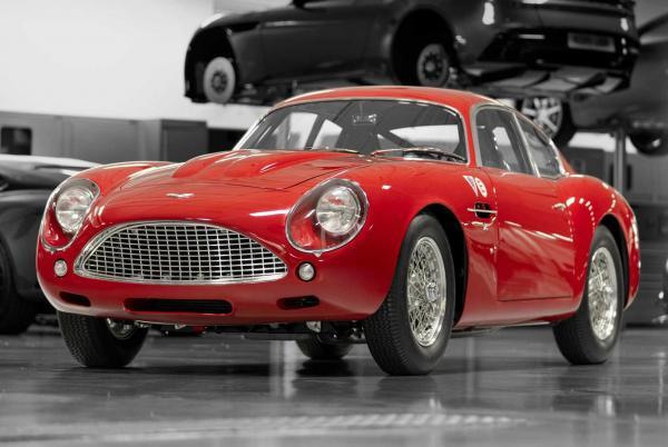 Aston Martin DB4 GT Zagato Continuation. Фото Aston Martin
