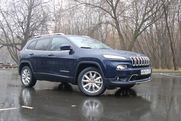 Дизайн Cherokee настолько не похож на традиционный стиль Jeep, что поклонники марки это не оценили