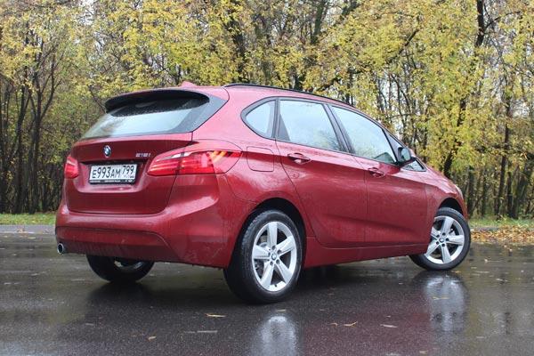 Первый минивен BMW получился достаточно удобным, экономичным, практичным и не слишком дорогим