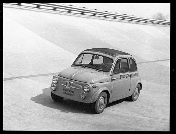 """Автодром Monza 1958: за рулем смешного """"чинквеченто"""" Abarth сам основатель культовой марки"""