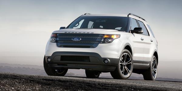 Ford Explorer Sport. Цвет кузова White Platinum Metallic Tri-Coat.