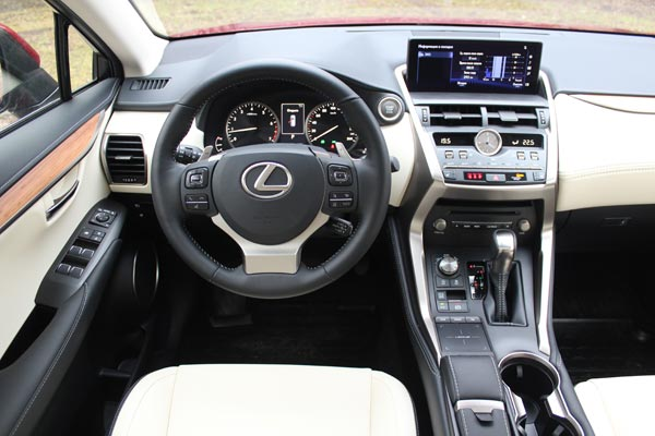 Салон Lexus NX создает атмосферу роскоши и комфорта
