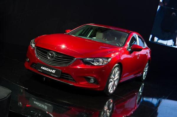 Седан Mazda6 третього покоління на стенді Mazda Motor на Московському автосалоні