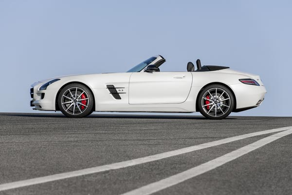 Автомобиль Mercedes-Benz SLS AMG GT Roadster