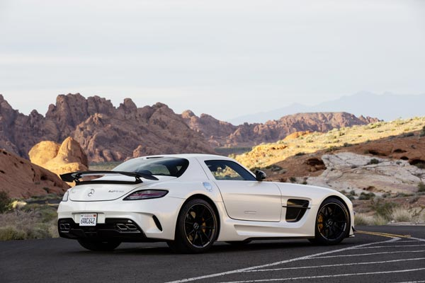Суперкар Mercedes-Benz SLS AMG Coupe Black Series