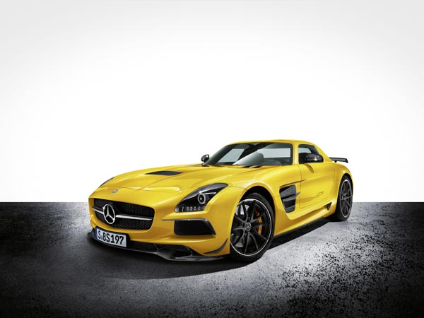 Суперкар Mercedes-Benz SLS AMG Coupe Black Series. Эксклюзивный цвет Solar Beam