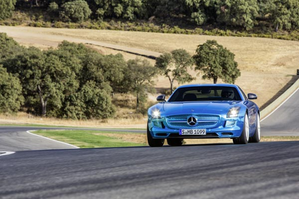 Суперкар Mercedes-Benz SLS AMG Electric Drive