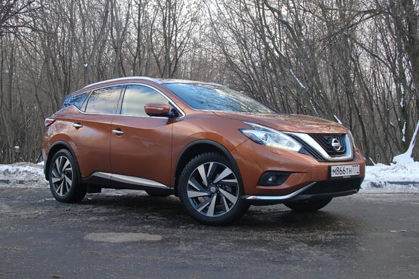 Яркий и динамичный облик Nissan Murano обладает характерными для кроссоверов Nissan чертами