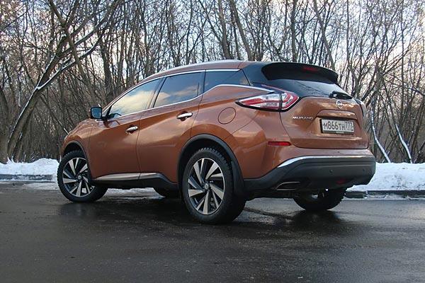 В качестве комфортабельного кроссовера Nissan Murano оправдывает себя на все сто процентов. Помимо высокого комфорта, это один из немногих автомобилей в своем классе, который способен доставлять удовольствие от вождения.