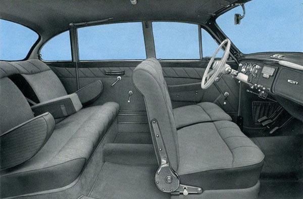 Роскошный интерьер 502-й модели: дверные стекла на «веслах», никакого кондиционера…