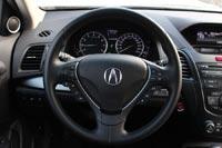 На рулевом колесе кнопки управления медиа системой, бортовым компьютером и круиз-контролем