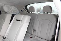 На тестовом автомобиле установлен опциональный третий ряд сидений
