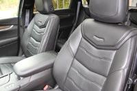 В жаркую погоду компьютер  после запуска двигателя автоматически включает вентиляцию сидений. В холодную - подогрев.