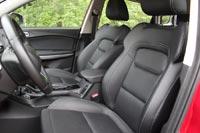 Водительское кресло достаточно удобное...