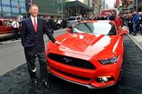 Главная (американская) презентация «Мустанга» состоялась 5 декабря в Нью-Йорке на Таймс-сквер, в программе «Доброе утро, Америка!». Автомобиль показывал Алан Малалли (Alan Mulally), президент и генеральный директор компании Ford Motor.