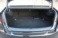 Объем багажника всего 433 л
