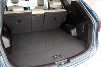 Объем багажника 585 л