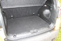 Багажный отсек средний по размерам, но удобный по форме