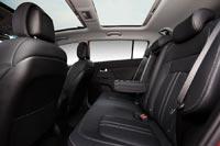 Для задних пассажиров предусмотрен подогрев сидений