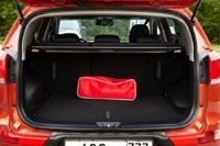 Багажник машины просторным не назовешь – всего 564 л полезного объема