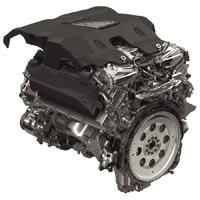 Пятилитровый бензиновый двигатель с механическим нагнетателем  развивает мощность 510 л.с.