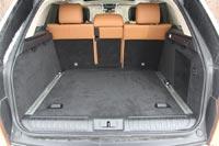Багажник просторный и имеет правильную форму