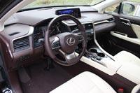 У водительского кресла кроссовера в топовой комплектации аж десять регулировок