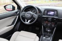 Салон Mazda CX-5 приятно удивляет уровнем сборки и качеством используемых материалов.