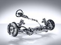 У спорткара Mercedes-AMG GT усилие на руле меняется не только в зависимости от скорости, но и от величины поперечного ускорения
