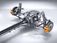 В качестве опций для обеих версий спорткара предлагаются углеродно-керамические тормозные диски