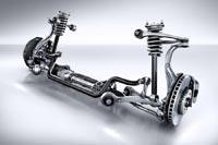 Из-за составной конструкции нижнего треугольника конструкторы Mercedes-Benz называют переднюю подвеску четырёхрычажной.
