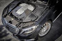 Моторный отсек седана Mercedes-Benz S 65 AMG