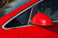 Новомодные треугольки в передних стеклах ухудшают обзорность