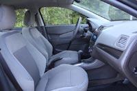 Передние кресла широкие и подойдут водителю любой комплекции