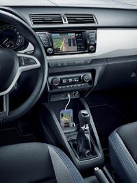 Функция MirrorLink позволяет выводить на экран мультимедийной системы Bolero навигацию со смартфона