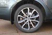 17-дюймовые диски Hawk, выполненные в чёрно-серебристом цвете