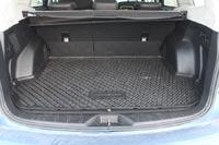 Багажник объемом 489 л имеет удобную форму