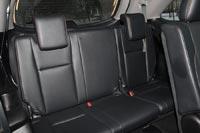 Третий ряд сидений удобен для пассажиров среднего роста