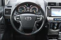 Новое рулевое колесо позаимствовано у Land Cruiser 200