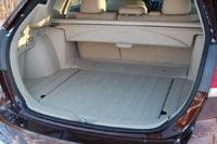 Багажник просторный, но не хватает возможностей для фиксации багажа